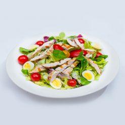 Salata cu piept de curcan si oua de prepelita