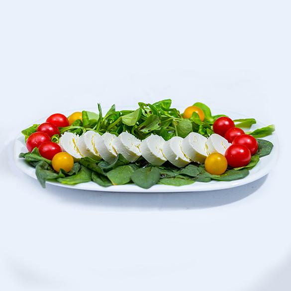 Salata de spanac cu branza de capra