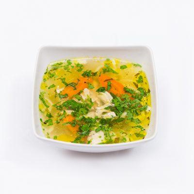 Supa de pui cu taitei de casa